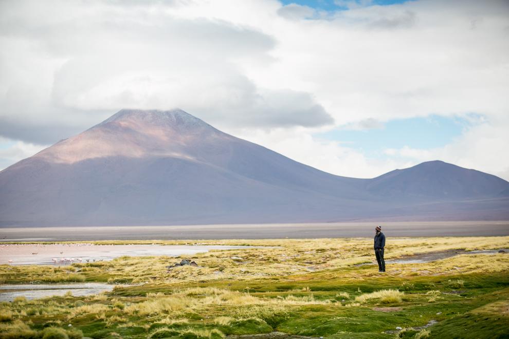 Los paisajes que ofrece Bolivia tienen tonos mágicos, montañas, volcanes, cerros y lagunas de colores pueden encontrarse en el tour de 3 días que inicia en el Salar de Uyuni, y es uno de los principales atractivos de la provincia de Potosí. (Tetsu Espósito)