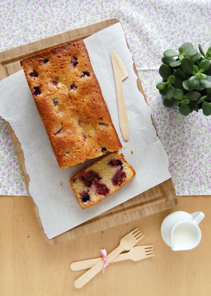 Lemon blackberry cake / Bolo de limão siciliano e amora