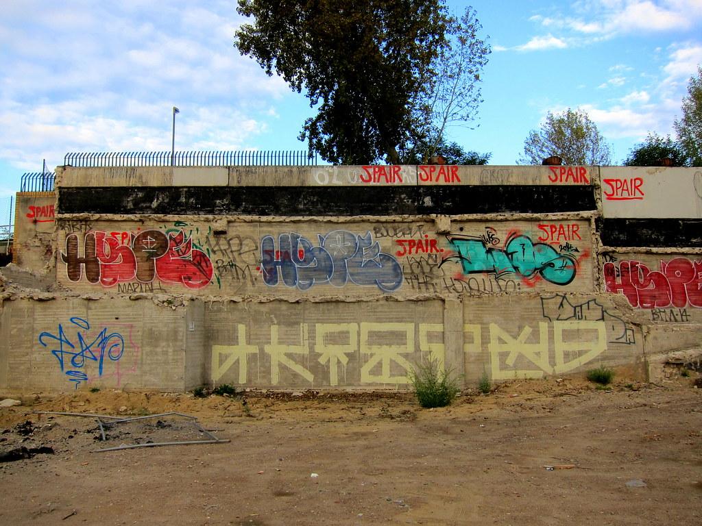 streetart   akim . hype . spair   berlin