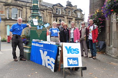 Yes campaigners in Bridge of Allan, September 2014