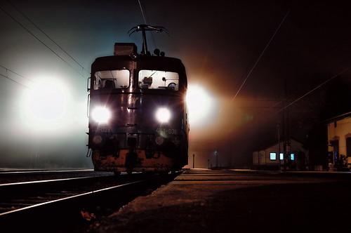040ec locomotive night trainspotting ristovac žs