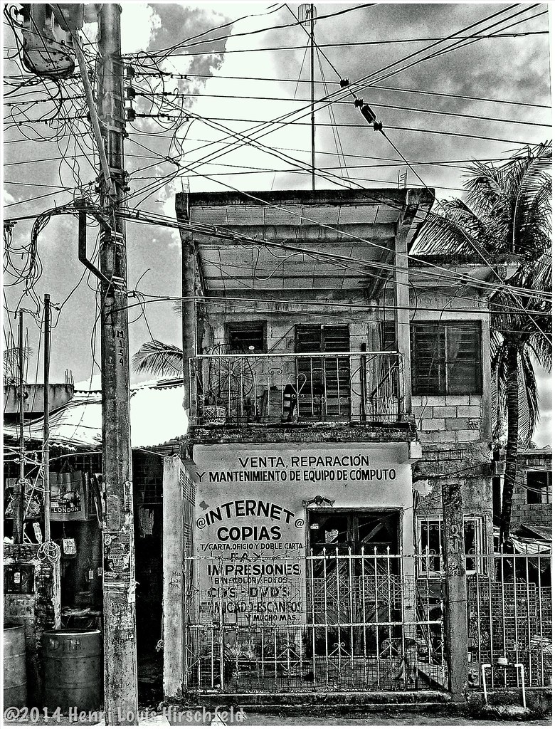 Puerto Morelos Mexico - Magazine cover