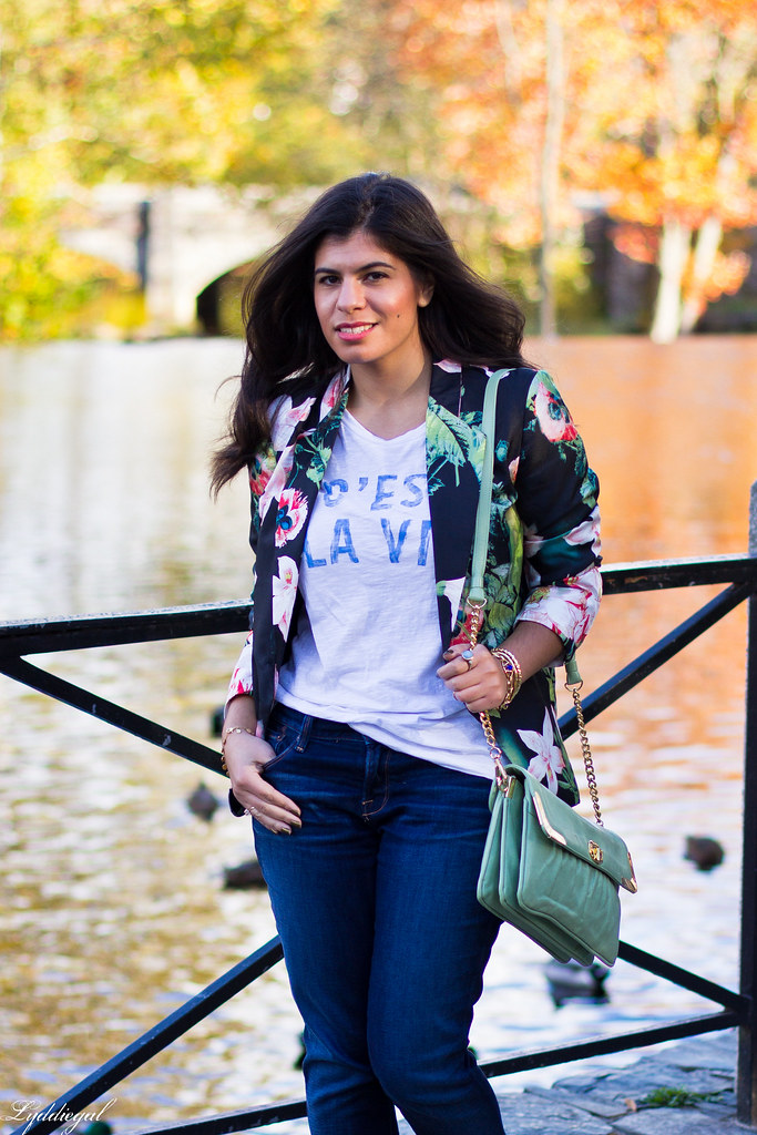 Jeans, graphic tee, floral blazer, converse.jpg