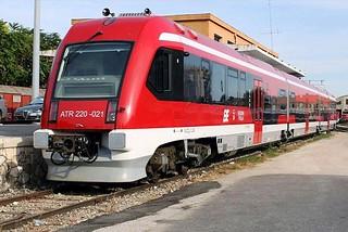 Noicattaro. Treni FSE front