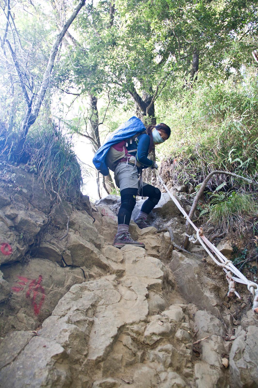 有幾段比較需要攀爬的地型