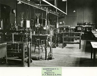 043-A laboratory in NIMR at Hampstead
