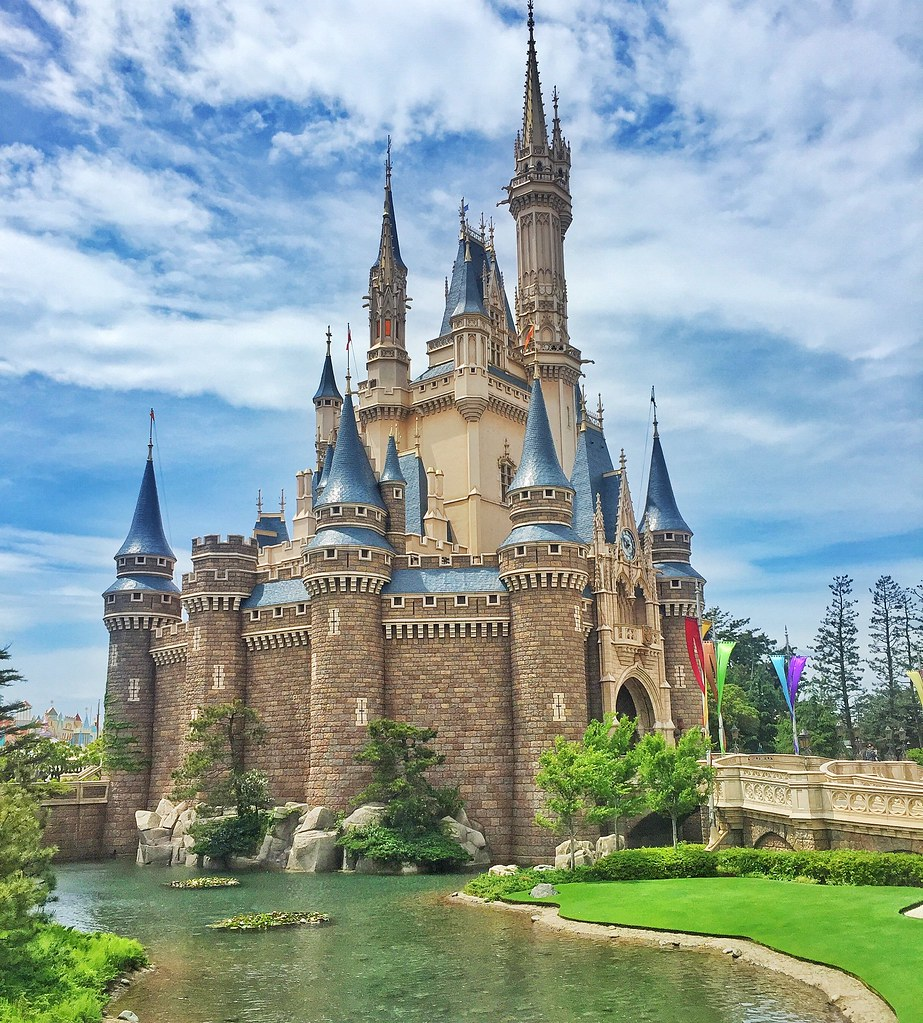 Tokyo Disneyland Park Vs Anaheim Grand Legacy At Tiket Disneysea 1 Day Pass Junior E Ticket Castles All Rights Reserved