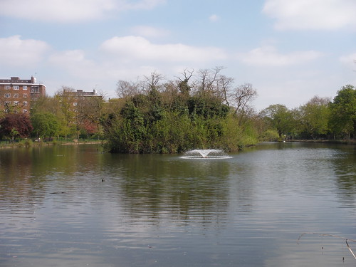 Lake in Clissold Park