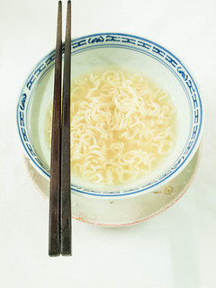 002 Supper , 宵夜 - only three quarter packet of instant noodle