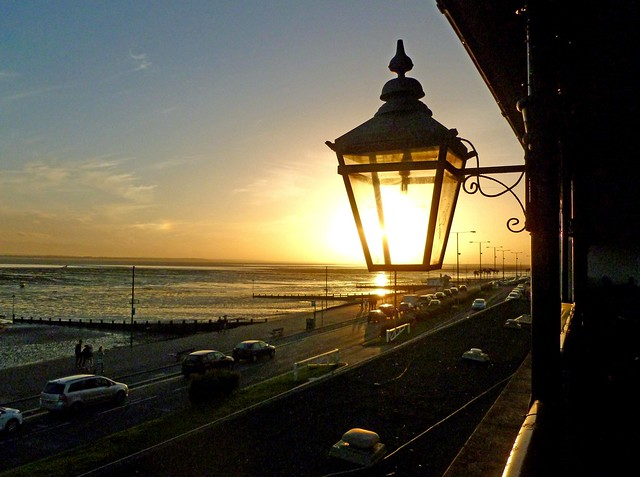 sun going down, Southend-On-Sea, Panasonic DMC-FS37
