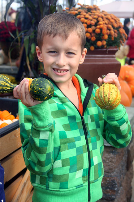 Nat-and-his-Gourds