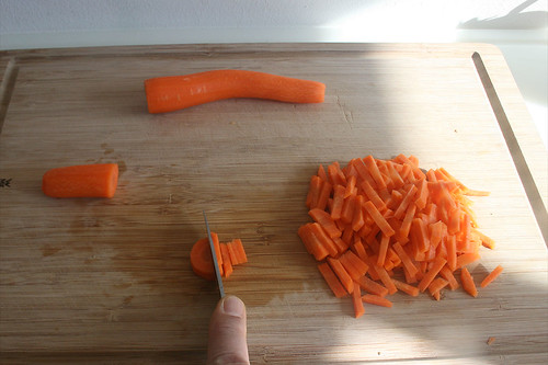 14 - Möhren zerkleinern / Cut carrots