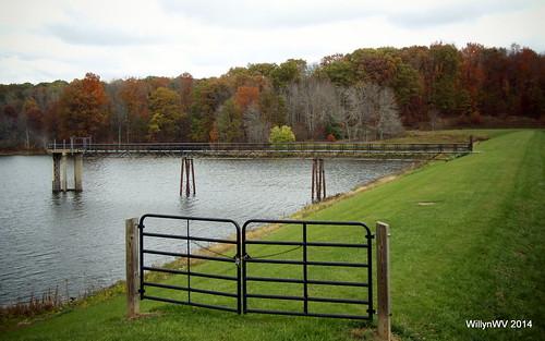 ohio fall barn landscape dam belmontlake belmontcounty ohiovalley geotaggedohio barkcampstatepark