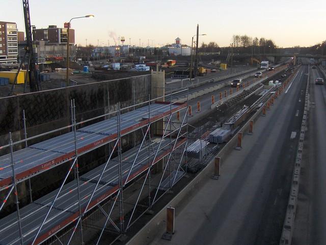 Hämeenlinnan moottoritiekate ja Goodman-kauppakeskus: Työmaatilanne 20.11.2011 - kuva 4