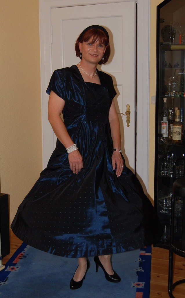 Have Transvestite evening dress think, that