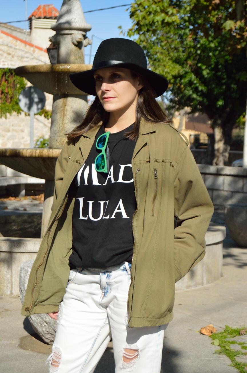 lara-vazquez-madlula-style-tee-fall-streetstyle