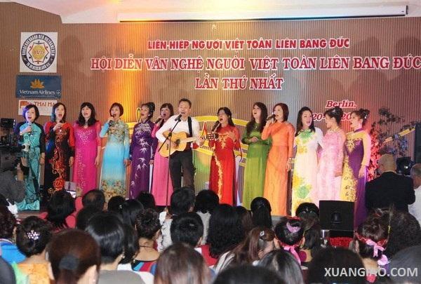 Sôi nổi hội diễn văn nghệ người Việt toàn liên bang Đức