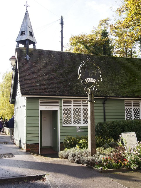 Shere, Surrey, England, Travel