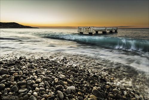 sunset sea sky mer france beach water stone sunrise coast seaside nice twilight eau stones blu pierre turquoise wave pebbles côte bleu pebble ciel cote pierres 06 vague crépuscule plage pontoon ponton 6d méditerranée promenadedesanglais galets alpesmaritimes galet 1635mm borddemer