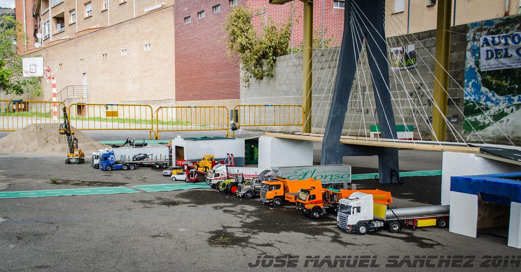 1ª Concentración de Camiones y Maquinaría RC en la Robla - Página 2 15523034081_9aee5ac929_b