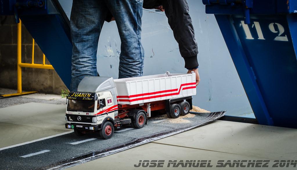 1ª Concentración de Camiones y Maquinaría RC en la Robla - Página 2 15525822902_9e8330bfab_b