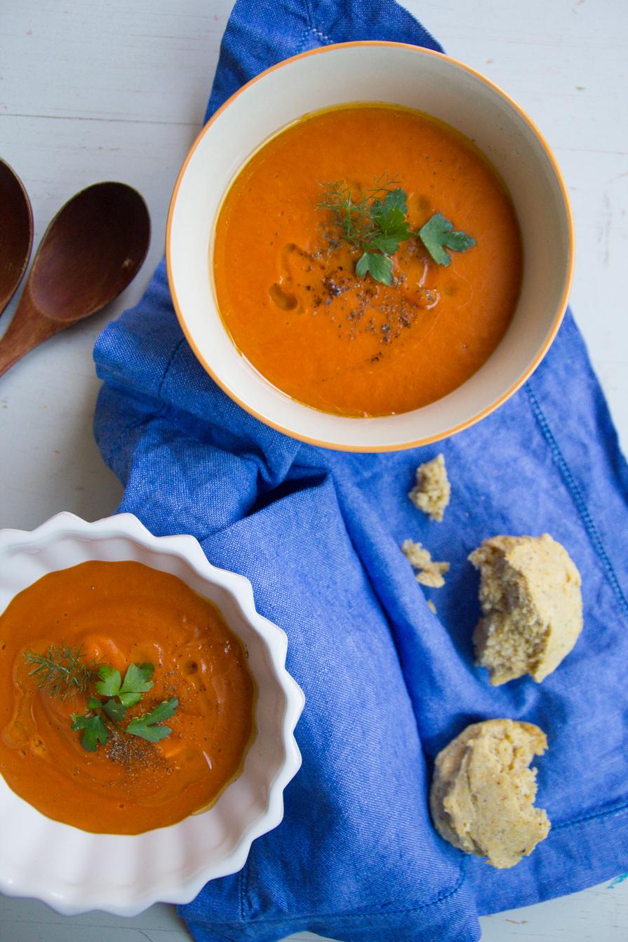 roasted capsicum + lentil soup