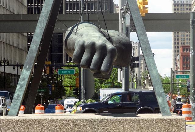 detroit-fist-statue