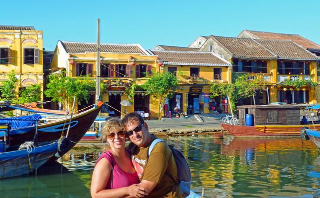 Sele y Rebeca en Hoi An (Vietnam)