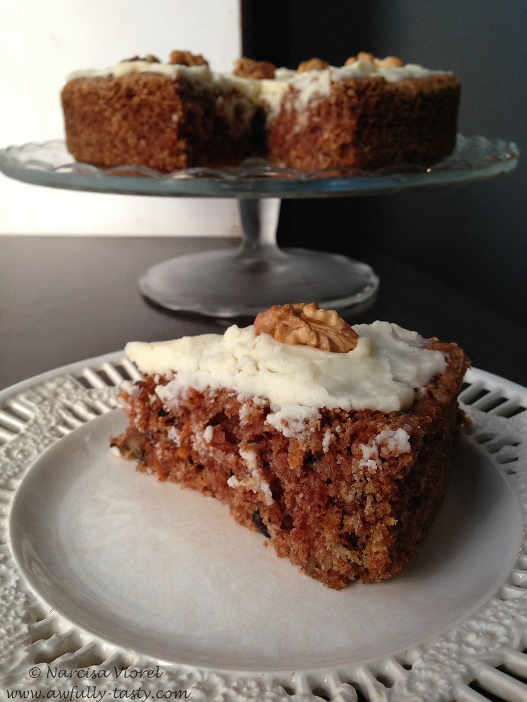 Carrot and walnut cake by Ottolenghi