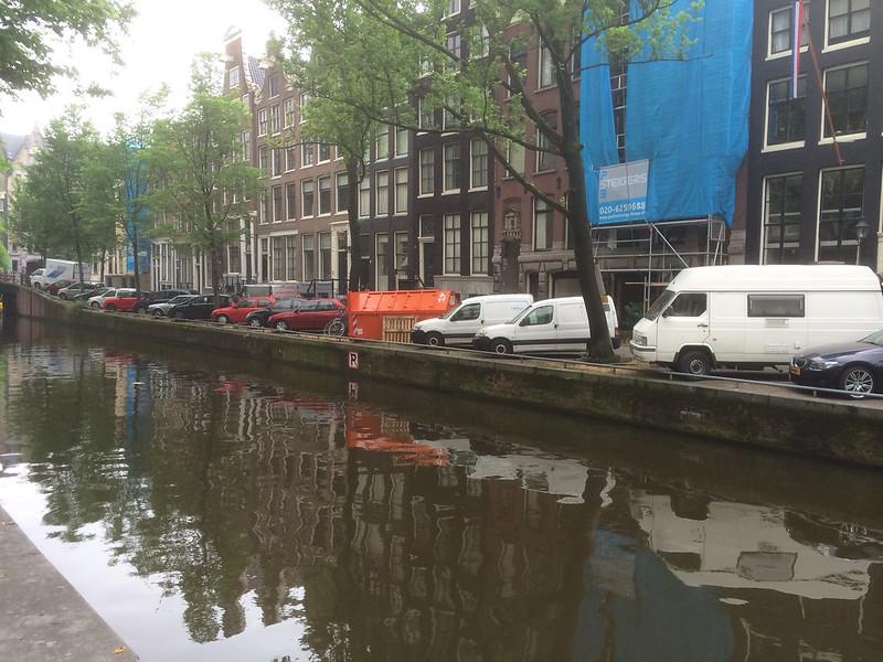 アムステルダム 運河の風景
