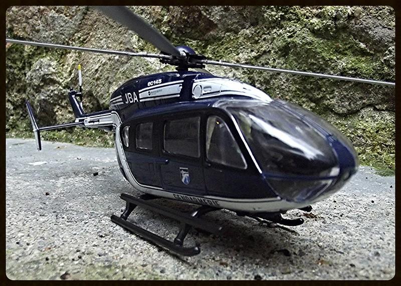 les hélicoptères toutes échelles  15719387062_ed54285413_c