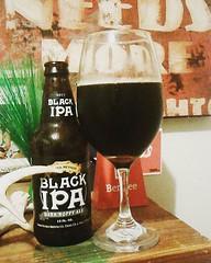 Enjoying a #Fresh and #hoppy #sierranevada #blackipa 6.9% #alcbyvol #comedrinkwithme #ipa #beer #sundayfunday