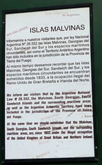 1725_Puerto Ushuaia - Islas Malvinas sign