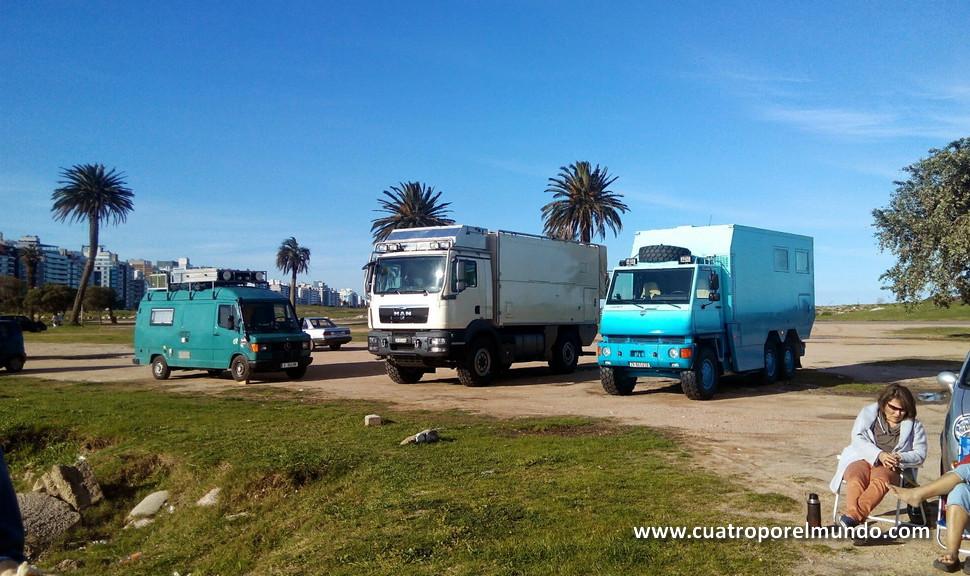 Camiones caravana en Punta Carretas