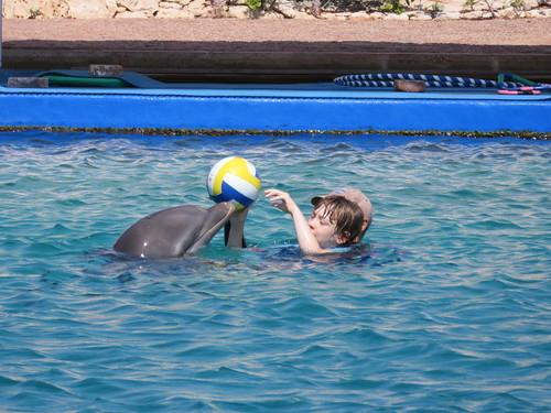 Ballspielen mit Kanoa