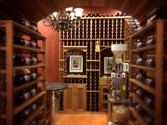 wine cellar(1.0), liquor store(1.0), winery(1.0),
