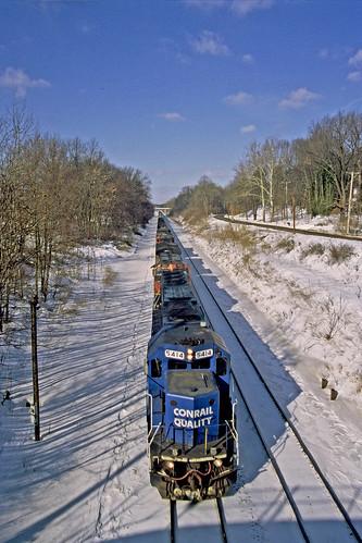 winter snow trains railroads norfolksouthern trainsinwinter conraillocomotives railroadsandwinter nsclevelandline