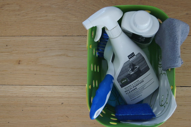 how to create a cleaning caddy DSC01237