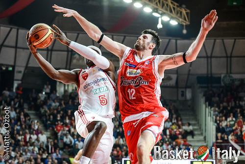 Ksistof Lavrinovic pallacanestro varese reggio emilia-16