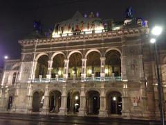 palace(0.0), mecca(0.0), plaza(0.0), landmark(1.0), opera house(1.0),