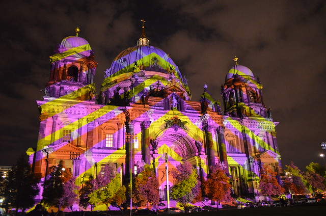 10th Berlin Festival of Lights _Berliner Dom cathedral pink yellow geometric illumination