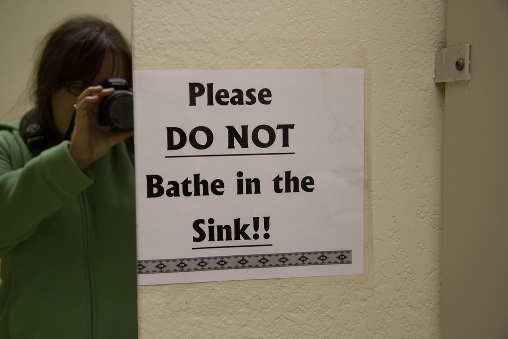 Funny signs - please do not bathe in sink