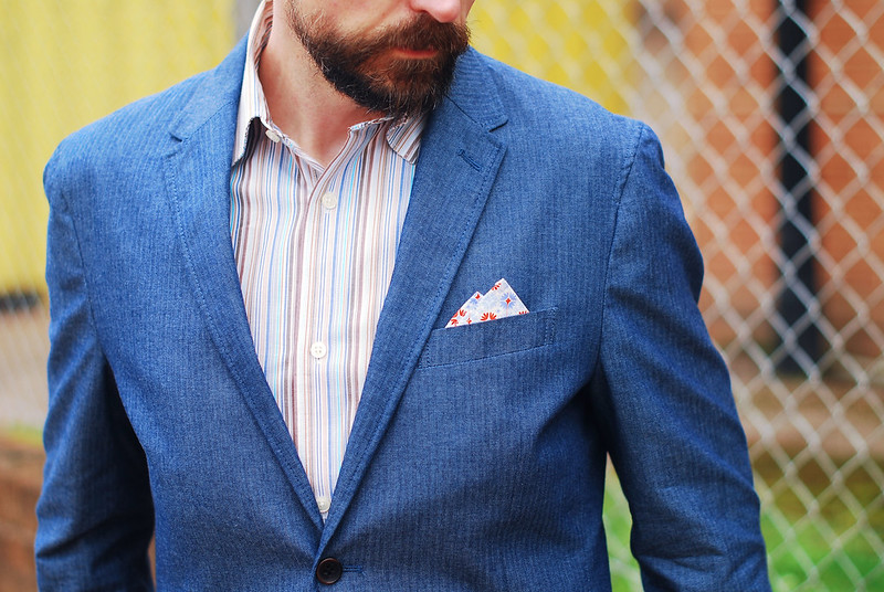 Over 40 menswear: Blue linen blazer