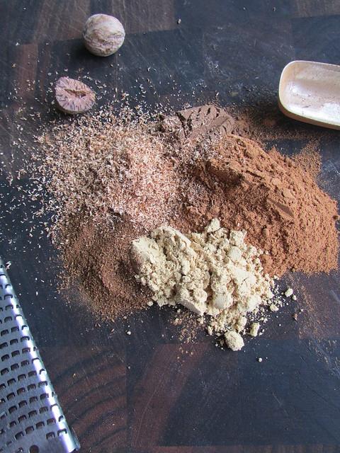 freshly ground nutmeg