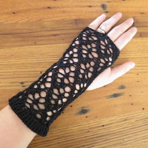 Iron Craft '14 Challenge #21 - Spider Lady Handwarmers