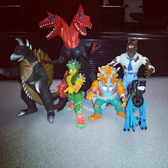 Flea Market finds were heavy on the lizard/dinosaur theme today. #ToyFinds #toyhustle #toyhunting #ragingnerdgasm #ghostbusters #godzilla #jurassicpark #ToyGameTedDiBase