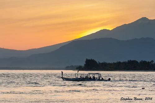 school sunrise landscape sailing ship air dive diving gili lombok navigating outrigger rinjani