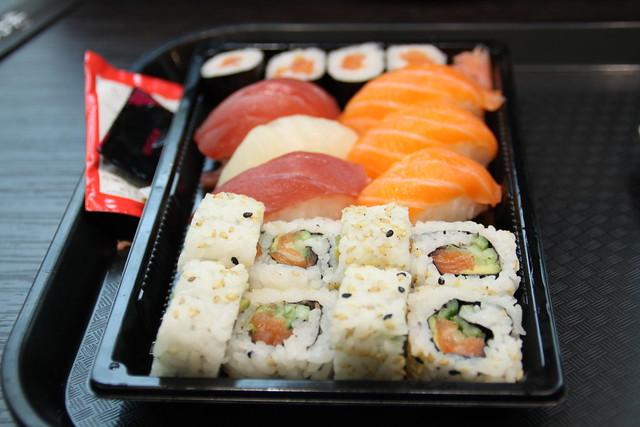 Verse sushi van de Cora in het Concordecomplex...