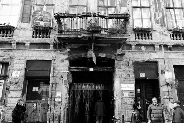 Szimpla Kert ruin bar, Budapest
