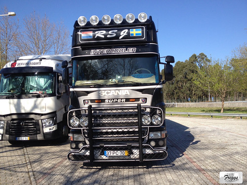 RSJ Scania R560 V8 Topline Curtain Sider - Portugal